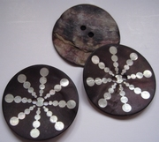 Button - Mother Of Pearl  44 mm