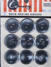 9 Knöpfe  19 mm