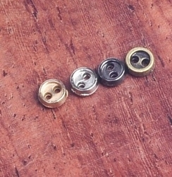 6 miniknoopjes  - zilverkleur  3 mm