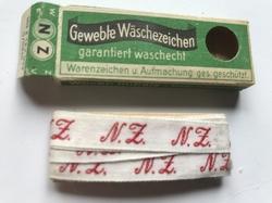 Initialen- Lint N.Z.  Lint 1 cm breed