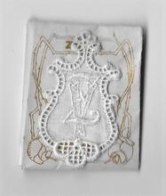 6 Monogrammen V.Z..  4,5 x 2,5 cm