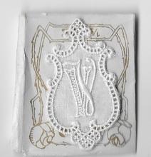 6 Monogrammen V.V..  4,5 x 2,5 cm