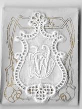 6 Monogrammen D.W.  4,5 x 2,5 cm