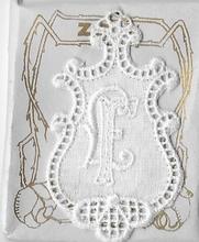 6 Monogrammen H.N.  4,5 x 2,5 cm