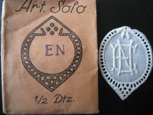 6 Monogrammen - E.N.  37 x 29 cm