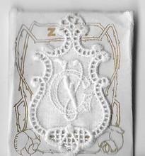 6 Monogrammen G.V.  4,5 x 2,5 cm
