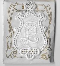 6 Monogrammen P.Z..  4,5 x 2,5 cm
