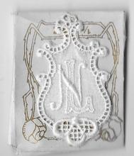 6 Monogrammen L.N.  4,5 x 2,5 cm