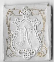 6 Monogrammen F.N.  4,5 x 2,5 cm