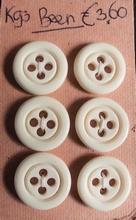 6 Knopen - Been  16,6 - 17 mm