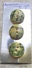 3 Parelmoerknopen  23 mm