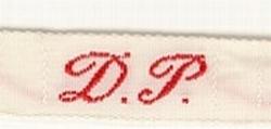 1 Initiaal - Lint D.P.  Lint 1 cm breed