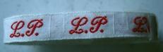 1 Initiaal - Lint L.P.  Lint 1 cm breed