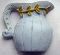 White Pitcher  25 x 26 mm