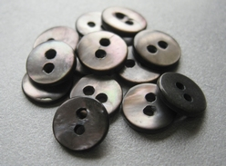 Button - Mother Of Pearl  9 mm