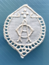 1 Monogram  A.O.of O.A.  3 x 2,5 cm