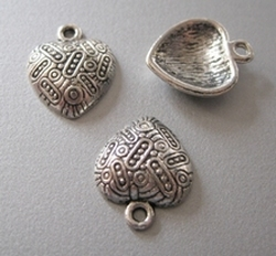 Tibetan Silver Heart  19 x 15,5 mm