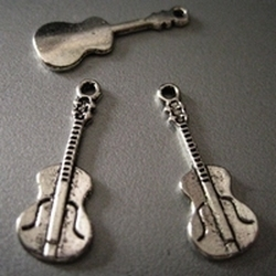 1Tibetan silver gitaar  27 mm