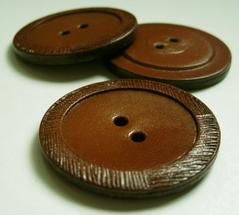 L - Button  41 mm
