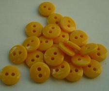 Poppenknoopje - okergeel  7,5 mm