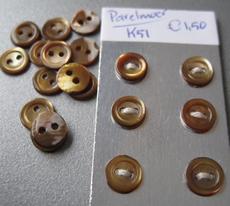 6 Parelmoerknoopjes - bruin 6 mm