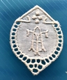 1 Monogram  A.T. of  T.A. 3 x 2,5 cm