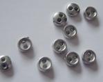 6 miniknoopjes - zilverkleur 4 mm