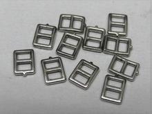 4 Gespjes -piepklein 6,5 x 5 mm
