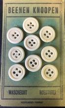 8 Buttons - Bone 18 mm