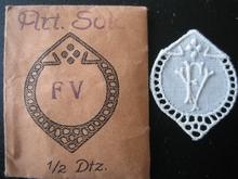 6 Monogrammen - V.V. 37 x 29 cm