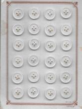 24 Knöpfe auf Kart 11 mm