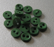 6 miniknoopjes - donkergroen 4 mm