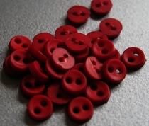 6 miniknoopjes - donkerrood 4 mm