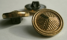 Button - gold color 18 mm