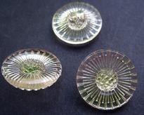 Glasknoop - lichtrose met zachtgroen/geel 18 mm